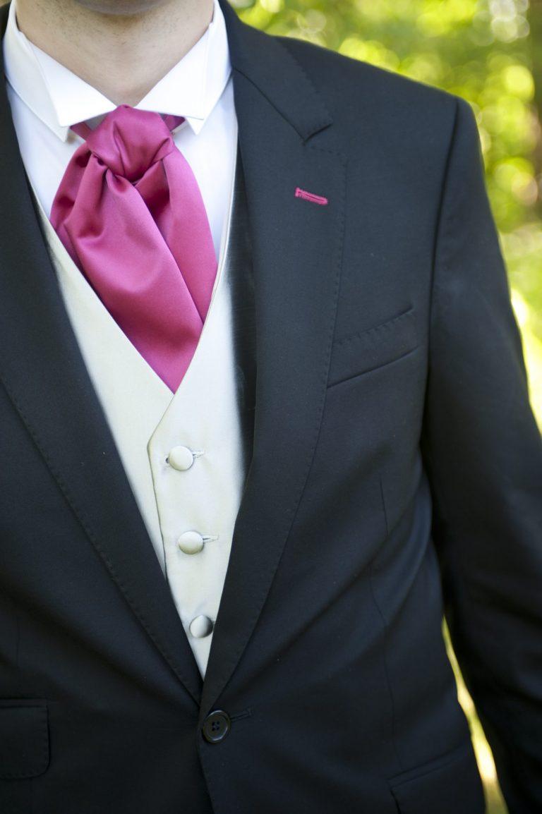 détail costume marié