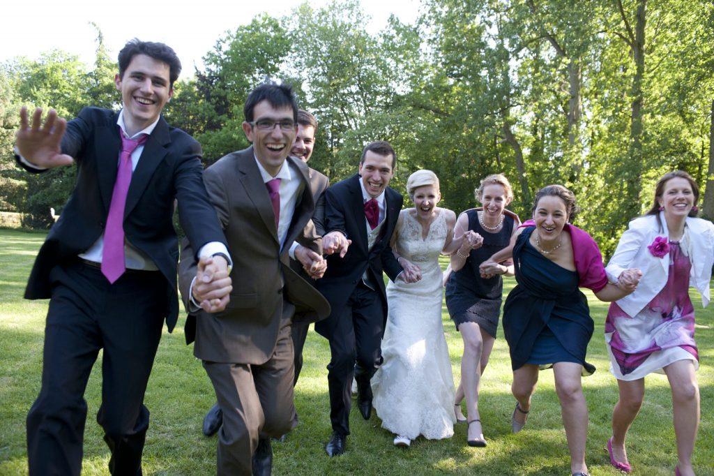 photo mariés invités drôle reportage mariage