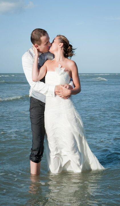 Session photo après le mariage à la mer